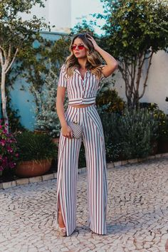 Outfits con Pantalón de Vestir de Moda 37 Outfits con Pantalón de Vestir de Moda Carrá Gloria Carrá (born 15 June 1971 in Banfield, Buenos Aires) is an Argentine Teen Fashion Outfits, Cute Casual Outfits, Look Fashion, Women's Fashion Dresses, Chic Outfits, Fall Outfits, Feminine Fashion, Moda Outfits, Summer Outfits