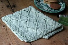 Strik det fineste gæstehåndklæde i hulmønster