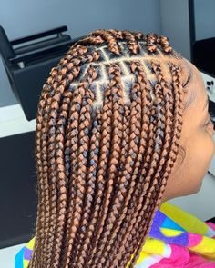 Box Braids Hairstyles For Black Women, Try On Hairstyles, African Braids Hairstyles, Braids For Black Hair, Protective Hairstyles, Headband Hairstyles, Brown Box Braids, Small Box Braids, Short Box Braids