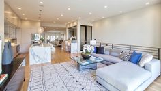 Greenwich St. residence, CA. Home staging - Meridith Baer Home.