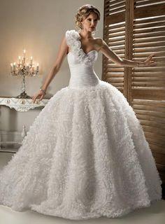 Yasmin Wedding Dress – Maggie Sottero 2011 Collection