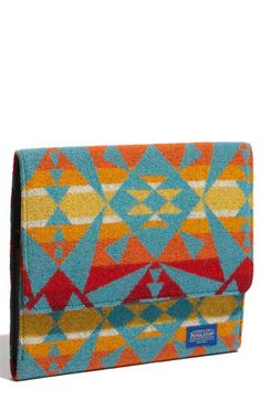 Pendleton iPad Case. I'm in love with this pattern... only problem: I don't have an iPad.