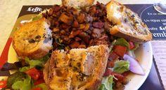 O almeno avrei voluto che fosse light! Prendere un'insalata in Corsica significa ottenere un tripudio di colori e... #CorsicaVivilaAdesso