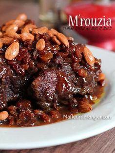 Un des plats traditionnels de l'Aîd Al Adha ( la fête du mouton). Pour préparer ce tajine on choisit de morceaux avec les os tels que Collier, épaule ou selle. l'ingrédient principal de ce plat est la viande mais on ne peut parler de M'rouzia sans parler...