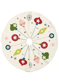 Christmas tree skirt - Ornaments, mid century modern design - idea for felt Christmas tree skirt Retro Christmas Tree, Retro Christmas Decorations, Christmas Skirt, Christmas Sewing, Modern Christmas, Christmas Tree Ornaments, White Christmas, Ornament Tree, Rugs