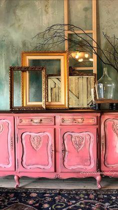 Diy Furniture Upholstery, Chalk Paint Furniture, Funky Furniture, Art Furniture, Repurposed Furniture, Diy Furniture Renovation, Furniture Makeover, Vintage Garden Decor, Distressed Furniture
