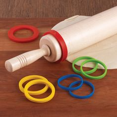 Genius - Roll dough to precise thickness (Silicone Rolling Pin Rings) I saw these and ordered them immediately! Make sure your rolling pin is 2 - 3 inches in diameter so they will fit. Kitchen Hacks, Kitchen Tools, Kitchen Gadgets, Gadgets And Gizmos, Cool Gadgets, Take My Money, Baking Tips, Food Hacks, Cool Kitchens