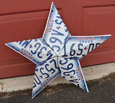 Texas license plate star sculpture (assume it's made from old plates...)