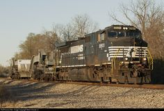 RailPictures.Net Photo: NS 8901 Norfolk Southern GE C40-9W (Dash 9-40CW) at Williamstown, Kentucky by Mark Chester Jr.