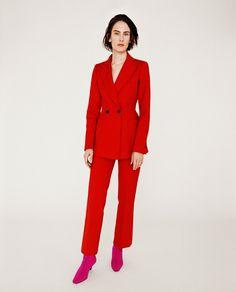 Imagen 1 de CHAQUETA ENTALLADA BOTONES de Zara