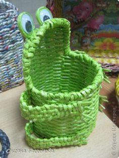 Поделка изделие Плетение Новьё Трубочки бумажные фото 2