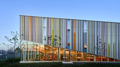 """In Torontos Dire Suburbs, This """"Joyful"""" Public Library Makes a Difference"""