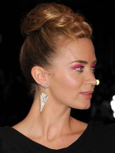 Would you wear Emily Blunt's hot pink eyeshadow? I know the exact products she used! http://beautyeditor.ca/2013/05/07/would-you-wear-emily-blunts-hot-pink-eyeshadow-i-know-the-exact-products-she-used/