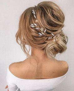 Wedding Hair Up, Bridal Hair Vine, Wedding Hair Pieces, Wedding Updo, Wedding Bride, Wedding Shoes, Diy Bridal Hair, Messy Bun Wedding, Short Bridal Hair