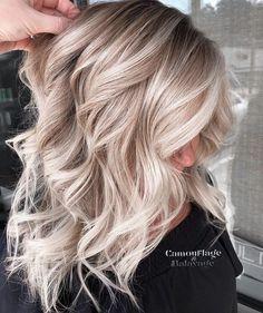 Work Hairstyles, Pretty Hairstyles, Creamy Blonde, Blonde Hair Looks, Shades Of Blonde, Blonde Balayage, Hair Dos, Hair Makeup, Hair Beauty