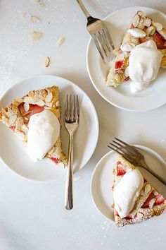 Strawberry Almond Skillet Cake Recipe A tangy, fluffy sour cream and vanilla cake baked in a cast iron skillet with juicy strawberries, sliced almonds, and a sprinkle of sugar. This is a simple, quick and fast recipe that is easy to put together and can be made ahead. This cake is served with whipped cream and is dusted with powdered sugar. Bake this Southern- style cake for summer parties, bbq, and gatherings. Substitute the sour cream with buttermilk if desired. Wood and Spoon Blog Recipe