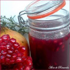 Mermelada de granada. Jam Recipes, Canning Recipes, Kitchen Recipes, Sweet Recipes, Healthy Recipes, Salsa Dulce, Sweet Cooking, Food Lab, Jam And Jelly