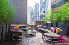 La terrasse grandiose et colorée.