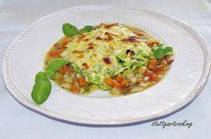 stuttgartcooking: Bärlauch-Spätzle und geröstete Nüsse mit Käse überbacken an Gemüse-Sauce