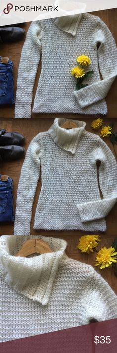 Free People Wool Blend Sweater 🌼 Free People ivory cowl neck pullover sweater.  Loose knit is see through so need to wear something under.   In excellent condition. Free People Sweaters