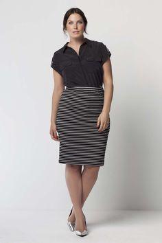 Sale set | Fashion | Plussize fashion | Blouse | Stripe skirt | Streep rok