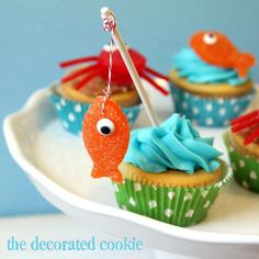 """Fish cupcakes and summer cupcake ideas: gumdrop fish and crabs! To make summer-themed beach treats, make gumdrop crab and fish cupcakes. These summer cupcake ideas with candy toppers are cute and easy. """"Gone Fishing"""" Father's Day cupcakes. Crab Cupcakes, Fishing Cupcakes, Cupcake Cookies, Cupcake Toppers, Party Cupcakes, Decorate Cupcakes, Cupcake Cupcake, Birthday Cupcakes, Cute Cupcake Ideas"""