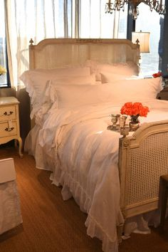 BELLA NOTTE   Laurie's Home Furnishings