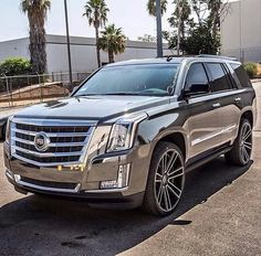15 Cadillac Suv Everyone Should Have A Look At - Auto - Cars Cadillac Escalade, Cadillac Ats, Escalade Esv, Suv Trucks, Suv Cars, Sport Cars, Lowrider Trucks, Best Luxury Cars, Luxury Suv