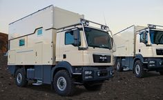 """The expedition-motor home series """"ATACAMA"""" is one of the most favored cabin designs of the world-travel vehicles of ACTION MOBIL. Overland Truck, Overland Trailer, Expedition Vehicle, Off Road Camping, Adventure Campers, Kabine, Boat Design, Truck Camper, Armored Vehicles"""
