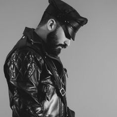 Leather Fashion, Mens Fashion, Style Fashion, Fashion Tips, Men Closet, Sexy Beard, Man Set, Leather Cap, Leather Gloves