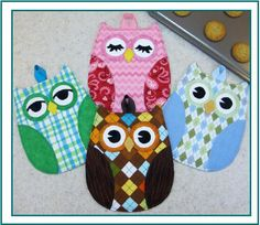"""Hot Who - this is a fun and easy PATTERN for fabulous Owl Hot Pads from Susie C Shore designs. """"Full sized pattern pieces to sew up darling Owl hot pads - sew quick, easy and functional"""" Fun for anyone, and a great gift for any owl collector. Potholder Patterns, Owl Patterns, Quilt Patterns, Sewing Patterns, Apron Patterns, Dress Patterns, Fabric Crafts, Sewing Crafts, Sewing Projects"""