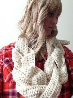 10 Examples of Crochet Scarves From Pinterest @Olivia García García García Cosgray