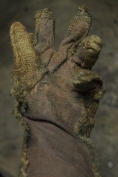 ACCESSORIES - Grim Stitch Factory scarecrow gloves