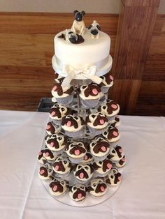 "Discover more details on ""black pugs"". Look at our web site. Big Cupcake, Cupcake Cakes, 3d Cakes, Pug Wedding, Black Pug Puppies, Pug Dogs, Bulldog Puppies, Doggies, Pug Cake"