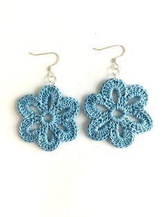 Flower Crochet Earrings #mandalascrochet