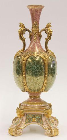 Coalport porcelain urn, having two gilt handles : Lot 6061