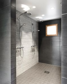 Double rainfall shower wetroom great for sex and bathing together Laundry In Bathroom, Bathroom Renos, Sauna Shower, Rainfall Shower, Concrete Bath, Boy Bath, Water House, Dream Home Design, Bath Remodel