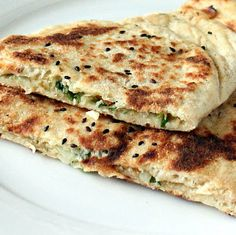Naan Stuffed with Cauliflower, Carrots, and Kale #vegan