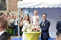 Princess Madeleine helps niece Estelle cheer at the 40th jubilee celebrations for King Carl Gustaf 9/15/13