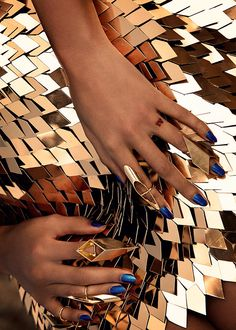 Gareth Pugh for Beyonce Beyonce Nails, We Run The World, Tamara, White Umbrella, Gold Skirt, Fool Gold, Textiles, Sparkles Glitter, Design Tutorials