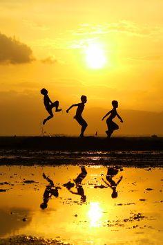 Sunny Boys in Summer Days :)))                                                                                                                                                                                 Más