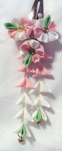 Small cherry blossom trio with shidare