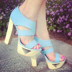 Sky(blue)'s the limit. #blue #heels