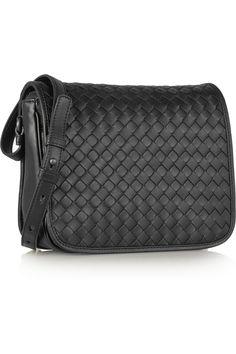 Bottega Veneta Intrecciato Medium Woven Clutch Bag (119.410 RUB ... 9e549ebef8953