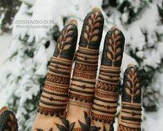 """Sooo the video of these fingers is up on my Youtube channel!  (you can either click on the link I put in my description or search for """"Henna CKG"""" to see it)  #henna#nofilter#natural#mehndi#hennamontreal#art#artist#bodyart#design#hennamtl#montrealhenna#hennapro#canada#henné#hennaartist#montréal#closeup#hennastain#youtube#tutorial#hennackg#hennacone#montreal#mtl"""