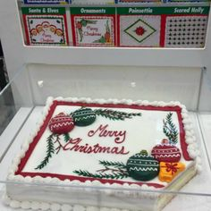 How to Order a Cake from Costco - Christmas Costco Cake Designs Christmas Cake Designs, Christmas Cake Decorations, Holiday Cakes, Football Cake Design, Pastel Rectangular, Heart Cake Design, Sheet Cake Designs, Santa Cake, Birthday Cakes
