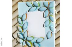 Looking for a way to entertain the kids? Try one of these fun picture frame crafts!