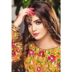 Know about model Laiba Khan biography along with her height, weight, body measurement, age, family and cast. You can be in touch with her by social networks. Beautiful Little Girls, Beautiful Girl Photo, Beautiful Bride, Cute Girl Pic, Stylish Girl Pic, Celebrity Makeup Looks, Baby Girl Images, Pakistani Actress, Girls Dpz