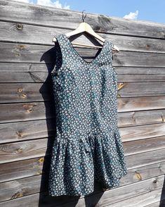 Encore quelques degrés et je pourrai porter ma nouvelle robe Jade de @louisantoinetteparis, tout juste terminée ! #jadeLAP #louisantoinette #louisantoinetteparis #jeportecequejecouds Polka Dot Top, Couture, Instagram, Women, Fashion, Jade Dress, New Dress, Baby Born, Moda