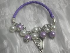 Bracelet of PU leather and pearls